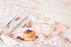 Bed & Breakfast (yumiphotography1) Tags: colazione letto bed breakfast yumiphotography canon 85mm journal giornale mattina morning goodmorning soft colours location eos6d beauty beautiful dream italy italia pretty photography love delicate sweet style cute inspiration pancake