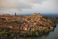 Postal típica de Toledo (photoschete.blogspot.com) Tags: canon 70d eos sigma toledo españa postal ciudad cascoantiguo oldtown panoramica panorama vista view casas rio tajo river houses