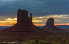 _DSC2513-2.jpg (Nathan Edward Simmons Jr.) Tags: monumentvalley utah arizona navajo themittens oljatomonumentvalley unitedstates us