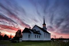 Lever de soleil sur la  Chapelle-Saint-Cyriac (gaudreaultnormand) Tags: canada chapellesaintcyriac kénogamilake leverdesoleil quebec saguenay sunrise
