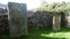 Lydgate Graves, Eyam   -   April 2017 (dave_attrill) Tags: lydgate graves george mary darby eyam derbyshire peak district hope valley 11th century village bubonic plague breakout 1665 rev william mompessom anglo saxon roman lead mining 260 deaths architecture outdoor memorials gravestones stonework historic mid 17th april 2017 national park white mines domesday book