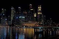 Singapura (Gino Estember) Tags: fuji fujifilm fujifilmphotography fujisg fujifilmsg sg singapore singapura landscape night architecture building