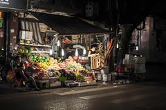 Vietnam Trip (Kantamate555) Tags: life street light portrait people fruit night df mood f14 streetphotography atmosphere daily vietnam nikkor fruitstand hanoi 58mm nikkon