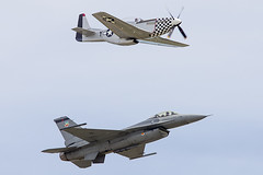 Heritage Flight F-16 and P-51 (pointnshoot) Tags: f16 p51 travisairforcebase canonef400mmf4doisusm travisairforcebaseairexpo thunderoversolano