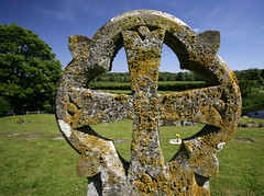Celtic Cross.. (Adam Swaine) Tags: uk england english rural canon landscape kent cross britain graves valley lichen churchyard celtic 2014 swaine stourvalley godmersham