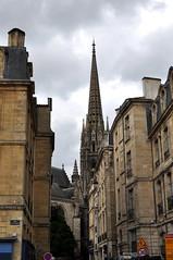 Burdeos (Francia). Rue des Faures y Saint Michel (santi abella) Tags: bordeaux francia gironde aquitania burdeos