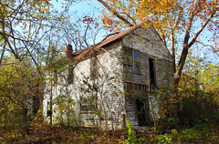 Burfordville House Exterior (Eridony) Tags: house abandoned decay explore missouri burfordville explored capegirardeaucounty unincorporatedplace unincorporatedvillage