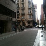 Uma das entradas para o metrô que corta a capital argentina