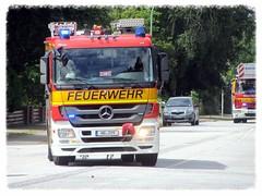 Mercedes-Benz Feuerwehr (v8dub) Tags: truck germany deutschland fire mercedes benz camion service feuer allemagne feuerwehr bremerhaven pompier feu lkw niedersachsen lastkraftwagen servicefeu