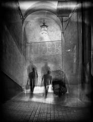 Le passage / Les hommes de l'ombre