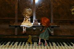 The piano game (Little little mouse) Tags: jerryberry basicberry obitsubody estebebe honeysuckle doll berrybasic2011 wren berrybasic2013