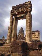 Bakong temple (Lalallallala) Tags: hindu temple ruin cambodia bakong southeastasia