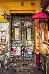 The Colours Of Kreuzberg (TablinumCarlson) Tags: kreuzberg berlin germany deutschland hauptstadt capital europa europe tür door summicron leica m240 leicam buddha schirm pink gold grafitti 28mm 9 entry bunt colourful