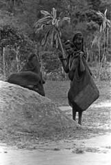 album2film170foto016 (Melanesian cultures) Tags: baliem baliemvallei sibil sibilvallei josdonkers eranotali wisselmeren papua irian jaya nieuwguinea ofm franciscanen minderbroeders missionaris