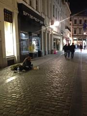 Rue de la Colline (Erasmusenflandes) Tags: erasmusbruselas palacio de justicia poelaert chapelle rue haute lepée colline capucins marolles contrastes bruselas bruxelles
