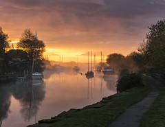Dawn over the River Frome (Nick L) Tags: riverfrome wareham dorset uk landscape misty river dawn sunrise boats reflection canon5d3 eos 5d 5d3 dorsetmisty