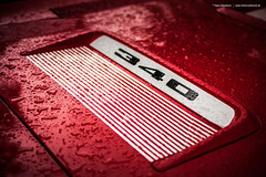 1971 Plymouth Road Runner Hood Treatment (Dejan Marinkovic Photography) Tags: 1971 plymouth roadrunner road runner mopar muscle car 340 red detail detailshot raindrops rain drops hood treatment