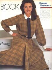 Vintage W.I.T. (bof352000) Tags: woman tie necktie suit shirt fashion businesswoman elegance class strict femme cravate costume chemise mode affaire