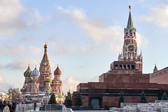 I had to see this (kevindalb) Tags: russia russie 2016 december dicembre decembre moscow moscou mosca kremlin cremlino winter inverno hiver red square redsquare piazza rossa piazzarossa mausoleo mausoleum mausolee lenin sunny sole