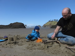 beach dig (carolyn_in_oregon) Tags: crescentbeach cannonbeach pacificocean ecolastatepark coast al allie jacob