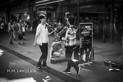 HML09497 (h.m.lenstalk) Tags: monochrome m typ 246 noctilux 50mm f095 oz aussie australia australian street sydney noctiluxm 50 095 black white people urban life city 109550 asph leica