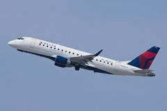 Delta Connection (Compass Airlines) Embraer ERJ-175 N623CZ (jbp274) Tags: lax klax airport airplanes deltaconnection embraer e175 erj175 cp compassairlines compass