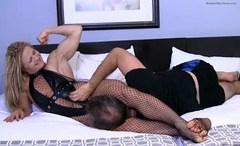Head Scissors (Madam Mysteria) Tags: legs headscissors fantasywrestling strongwomen fishnets biceps muscle domination fetish mysteria