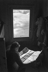 Oberland Trilogy: Photo 5 (Àlex MF) Tags: leica m hütte hut refugio refugi schweizer voigtlander switzerland suiza suissa suisse oberland alps alpi alpes bnw monocromo monochrome