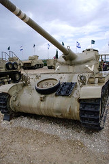 "AMX-13 (1) • <a style=""font-size:0.8em;"" href=""http://www.flickr.com/photos/81723459@N04/13689870363/"" target=""_blank"">View on Flickr</a>"