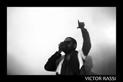 Emicida (victorrassicece 2 millions views) Tags: show brasil canon américa musica hiphop rap pretoebranco goiânia goiás américadosul 2014 musicabrasileira 20x30 canonef75300mmf456isusm rebelxti canoneosdigitalrebelxti emicida leandroroquedeoliveira