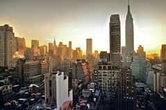 Manhattan sunrise (GrillyBog) Tags: city nyc newyorkcity newyork skyscraper sunrise manhattan empirestatebuilding
