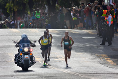 Bay To Breakers 2014, 3 front-runners approaching the top of the Hayes St Hill (AGrinberg) Tags: winner geoffrey baytobreakers 2014 kenisi