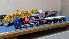 Camions transport éléments grue (1/50) (xavnco2) Tags: mobile mercedes crane models 150 lorry camion mercedesbenz trucks titan kran grue scania wsi maquette diecast lkw r500 automotrice modélisme heavyhaulage modèlesréduits autogru convoiexceptionnel