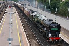 Passing South Croydon (McTumshie) Tags: england train unitedkingdom railway steam croydon southcroydon 35028 clanline 1z82 belmondbritishpullman 26july2014