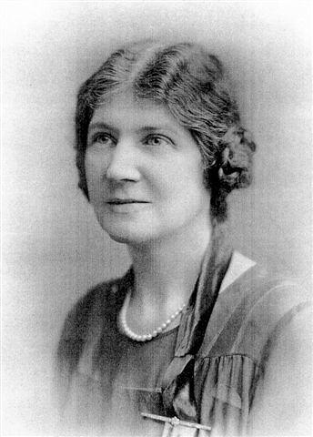 1912c Helena Postlewaite