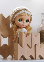 Playing with blocks (Minitα) Tags: doll blocks blythe hay skatedate