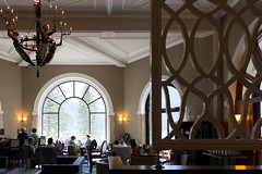 The Fairmont Chateau Lake Louise (Norio.NAKAYAMA) Tags: canada hotel alberta lakelouise fairmont 湖 カナダ thefairmontchateaulakelouise アルバータ 氷河 鏡面 フェアモント レイクルイーズ シャトー・レイクルイーズ