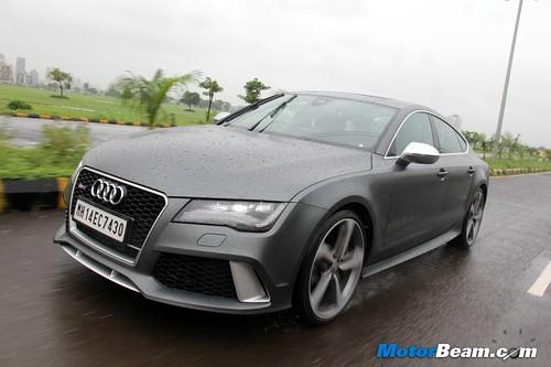 2014-Audi-RS7-24