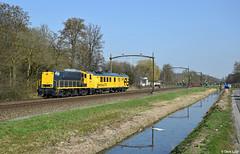 SHD 2205 & CTO, Dordrecht Zuid, 16-3-2017 11:37 (Derquinho) Tags: shd 2205 2200 stichting historisch dordrecht zuid measuring train cto meettrein dieselmaterieel ctomeettrein ns