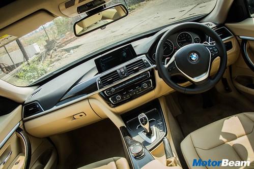 2017-BMW-GT-330i-23