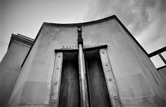 Entrance (Ansanshi) Tags: france architecture artdéco building urban palaisdetokyo ansanshi