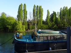 péniche (Jeanne Menjoulet) Tags: nogentsurmarne péniche barge marne river rivière