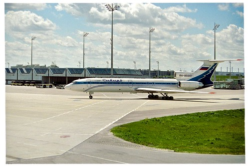 Tupolev Tu-154M (RA-85687) from Siberia Airlines at Munich International Airport, Bavaria, Germany
