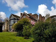 20170415_130108 (dkmcr) Tags: ruffordoldhall nationaltrust tudor heritage history lancashire daytrip attraction tourist rufford 15th april 2017 building landscape scenery