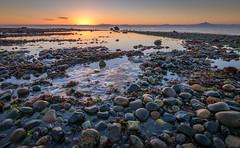 Piedrecillas del amanecer (Marco Antonio Sepulveda) Tags: mar chiloe chile piedras
