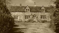 Richard Furness House,  Eyam   -   April 2017 (dave_attrill) Tags: richard furness house eyam derbyshire peak district hope valley 11th century village bubonic plague breakout 1665 rev william mompessom anglo saxon roman lead mining 260 deaths main road rd architecture outdoor historic mid 17th cottages cottage april 2017 national park white mines domesday book