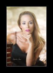 Sara (Alejandro Zerené Homs) Tags: sara retrato mujer pelo naturalidad sinceridad corazon belleza alejandrozerenéhoms
