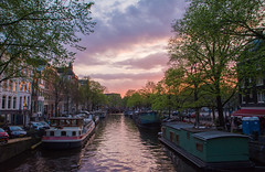 Amsterdam sunset. (Azariel01) Tags: 2017 paysbas hollande holland netherlands amsterdam city ville canal channel sunset coucherdesoleil péniche barge