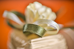 wedding candy (abraham.s) Tags: design 7dwf textile cloth clothtextile texture candy chocolate wedding ribbon foil paper gold green orange canoneos5dmarkiii ef100mm dof white macro