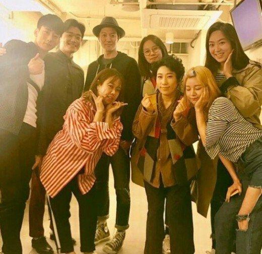 Khác biệt giữa cách hẹn hò của Lee Dong Gun với Jiyeon và tình mới - Ảnh 2.
